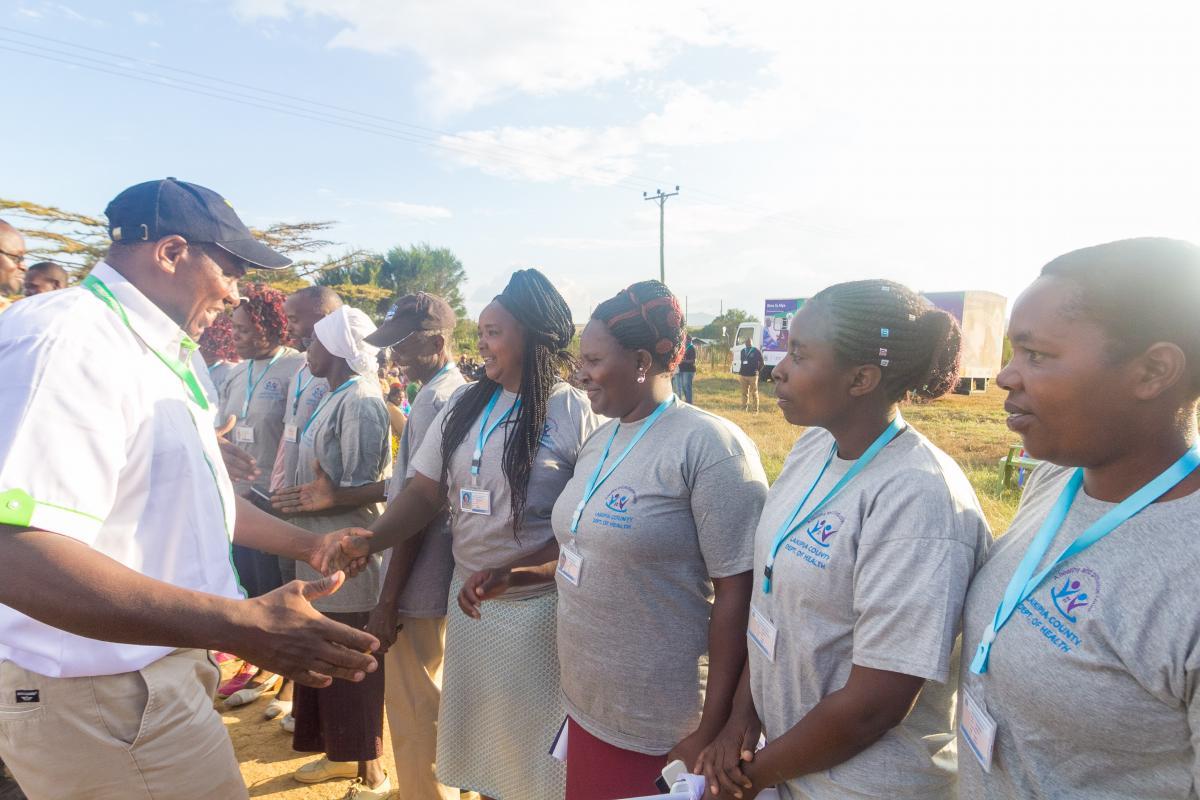 Governor Ndiritu muriithi meet with health workers.