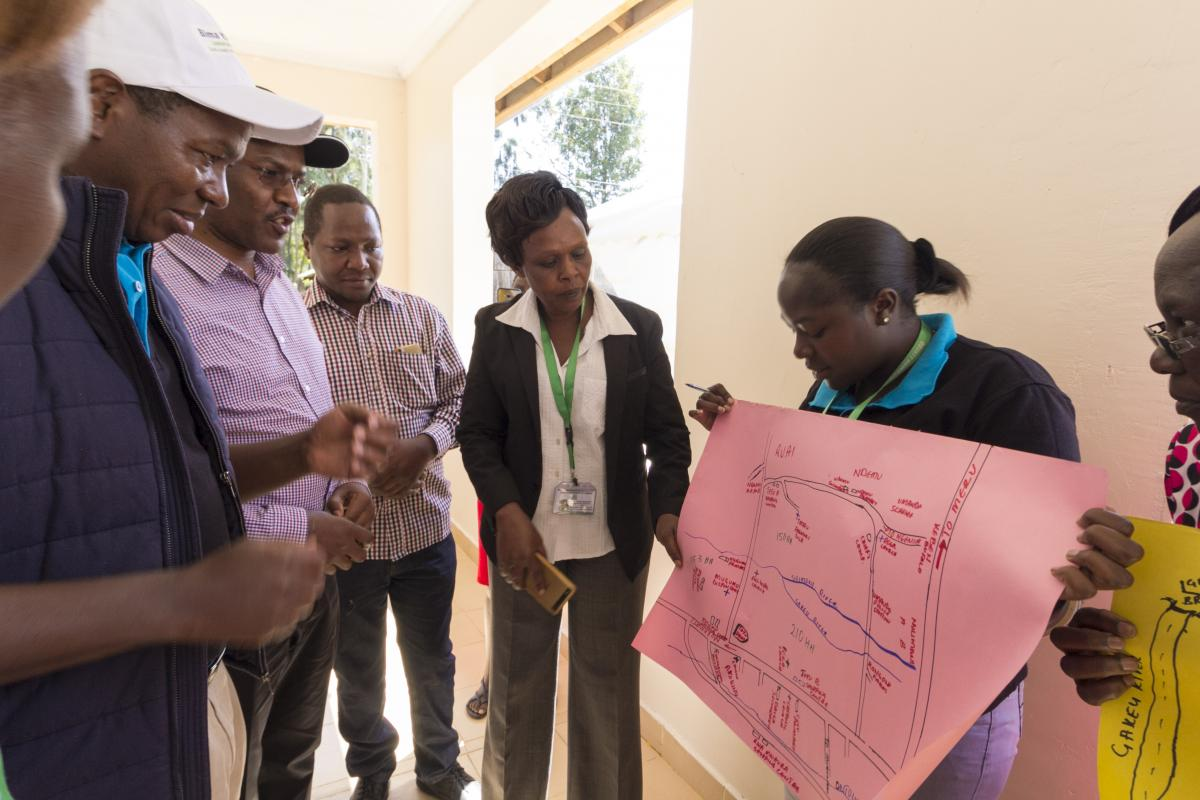 Governor ndiritu muriithi inspecting health plans and strategies in the hospitals